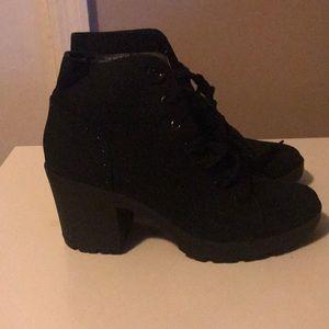 Mix No. 6 boots